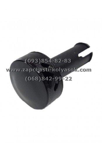 Втулка-кнопка колеса к детской коляске Roan черная. Модель 19